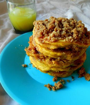 Pumpkin Cinnamon Streusel Pancakes | Kids in the Sink